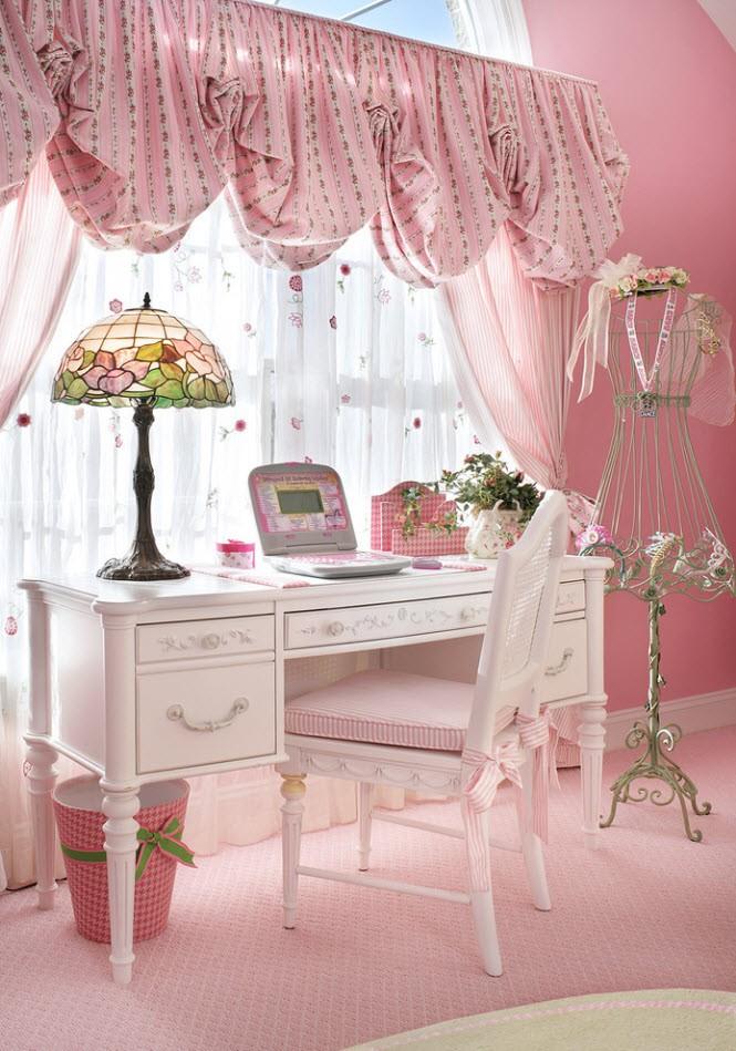 Комната в розовых тонах