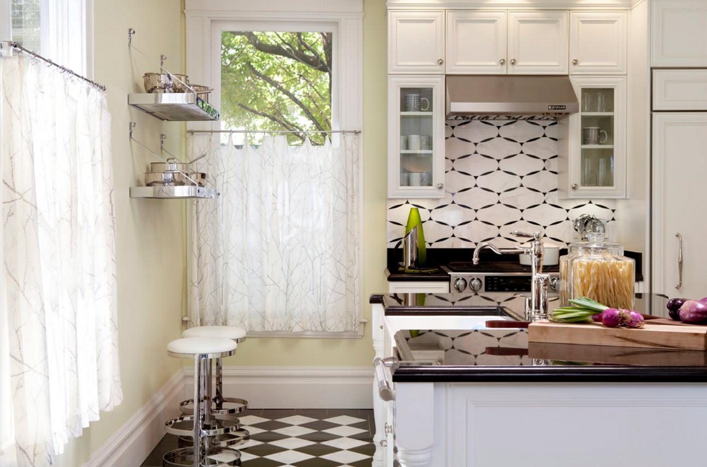 Легкие гардины для кухни