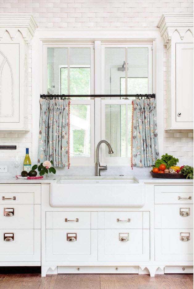Короткие кухонные шторки