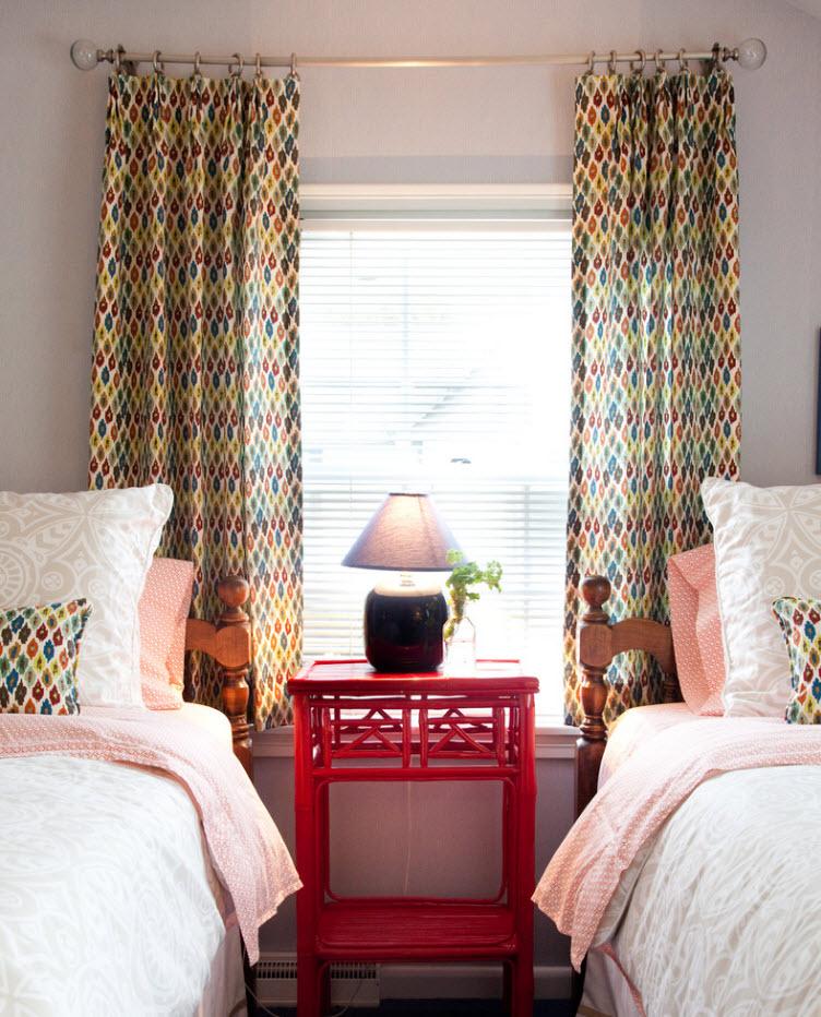 Декор окна и спального места