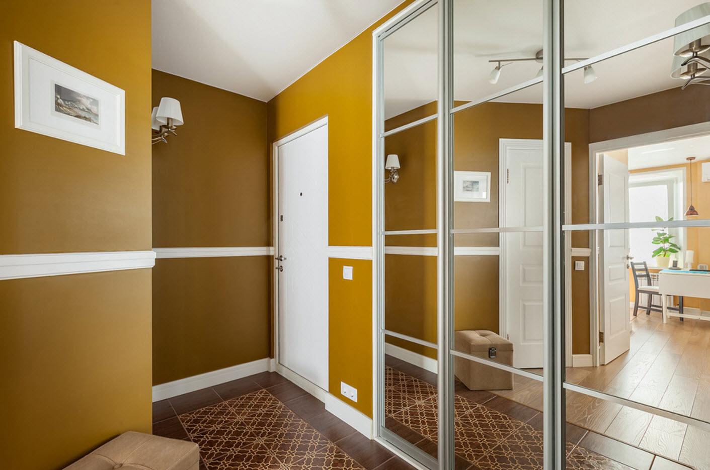 Яркий цвет стен