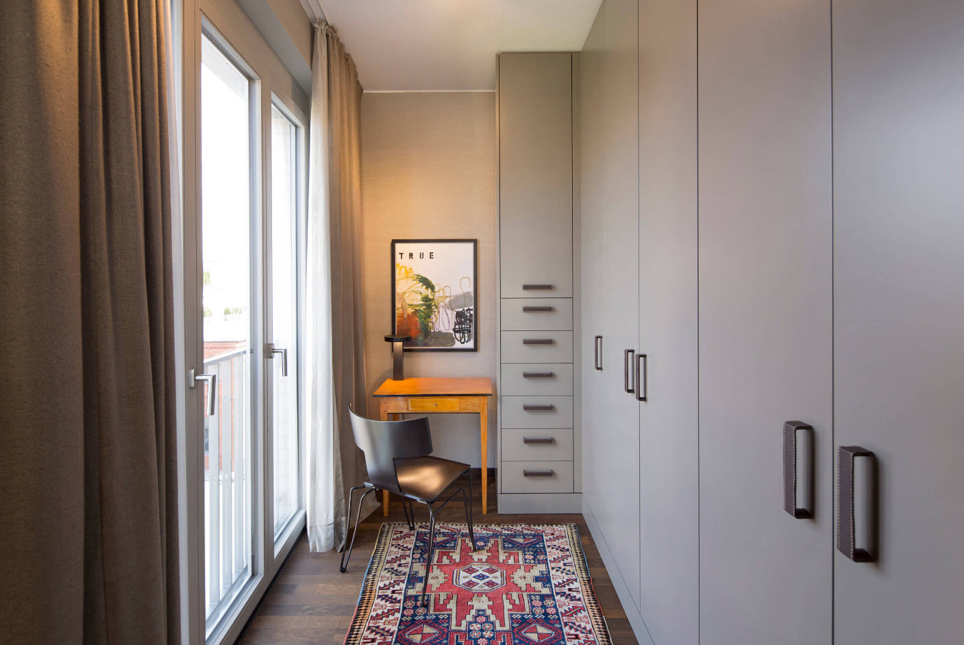 Мини-кабинет на балконе