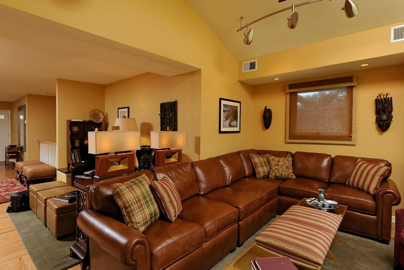 Вместительный угловой диван