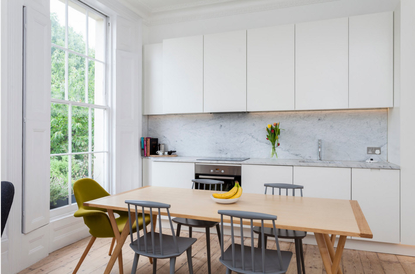 Гладкие фасады кухонной зоны