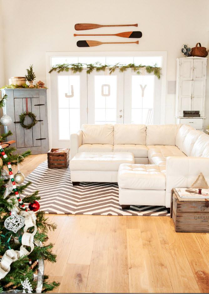 Угловой белоснежный диван