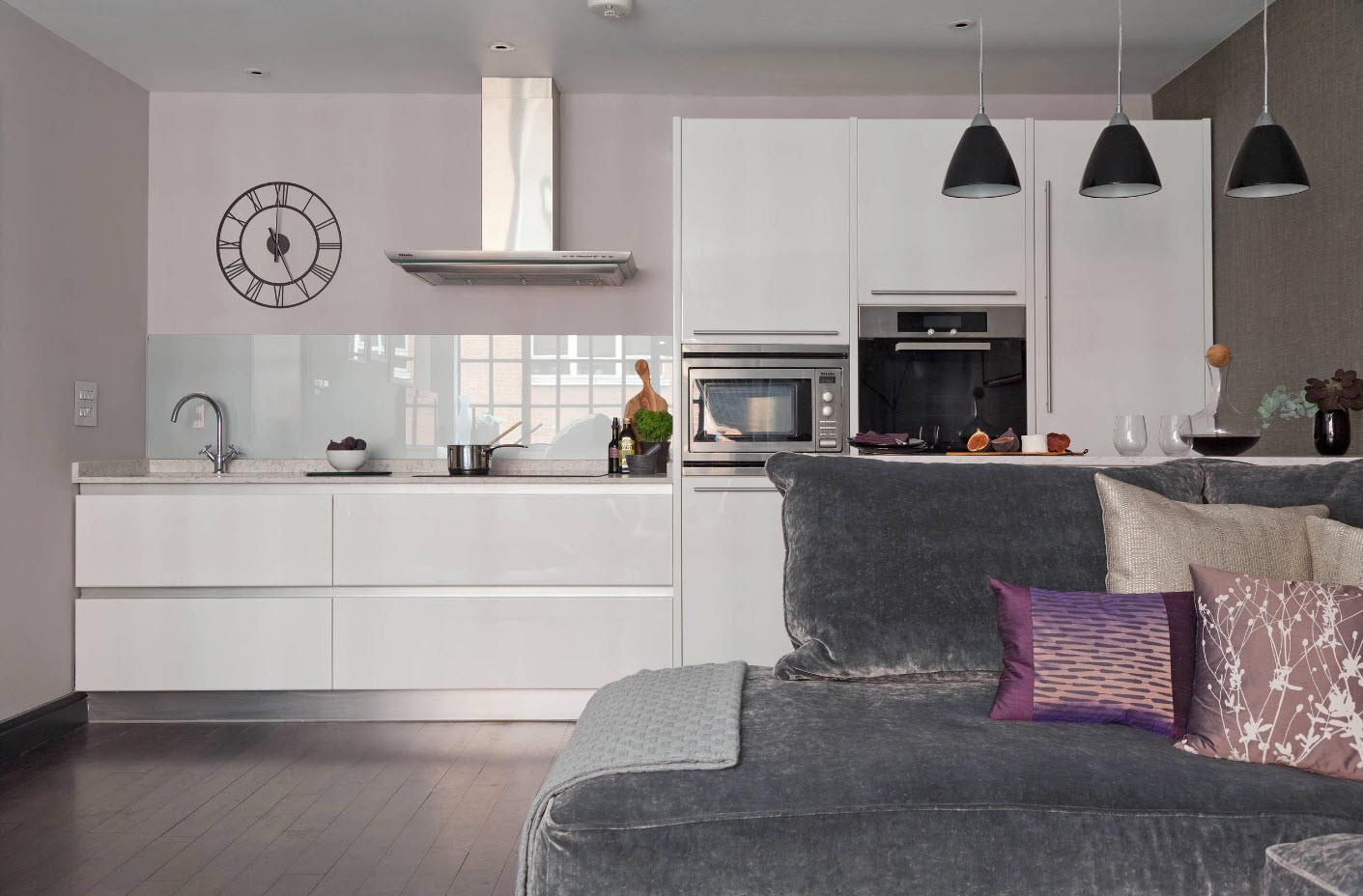 Белоснежное исполнение кухонной зоны