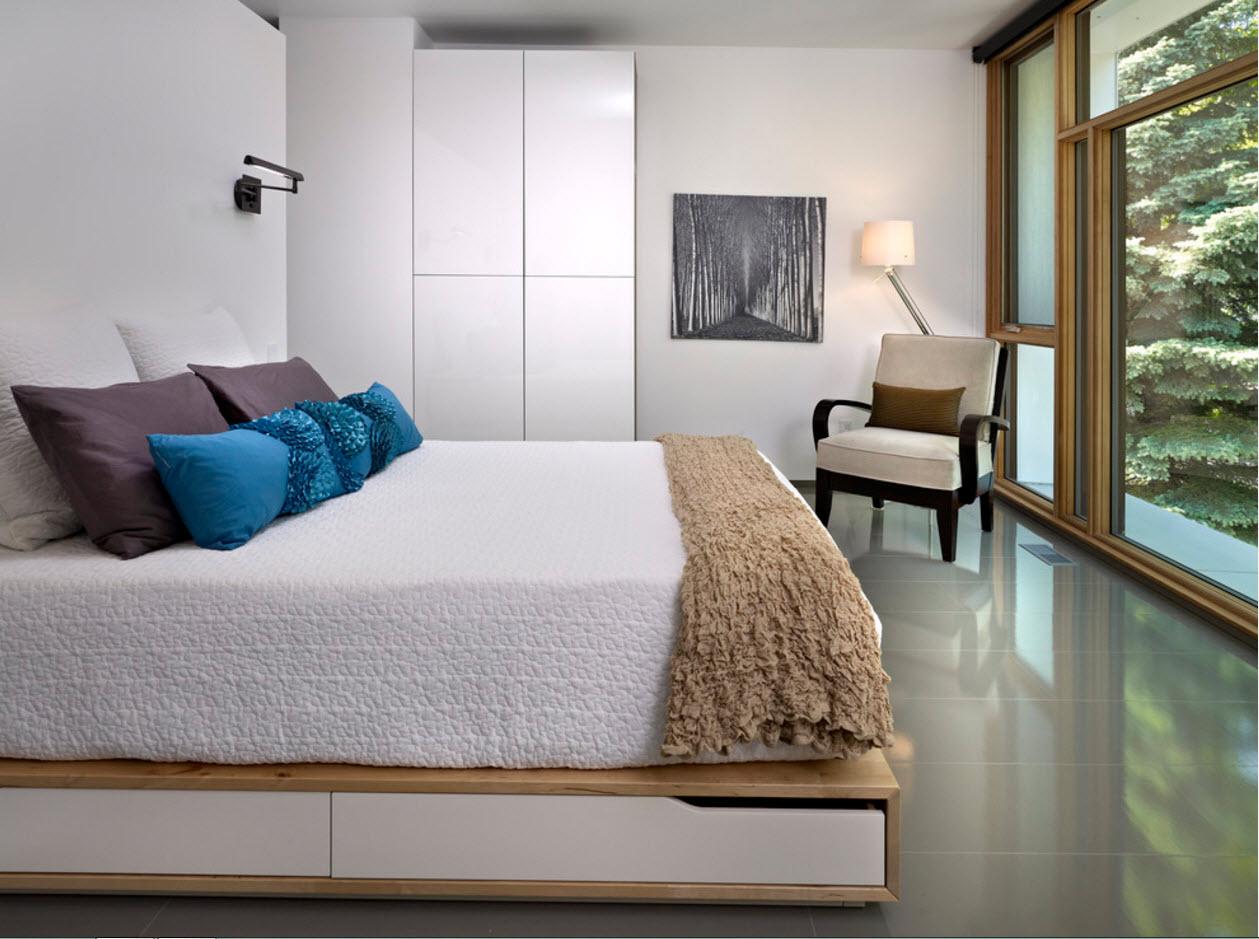 Кровать с системами хранения