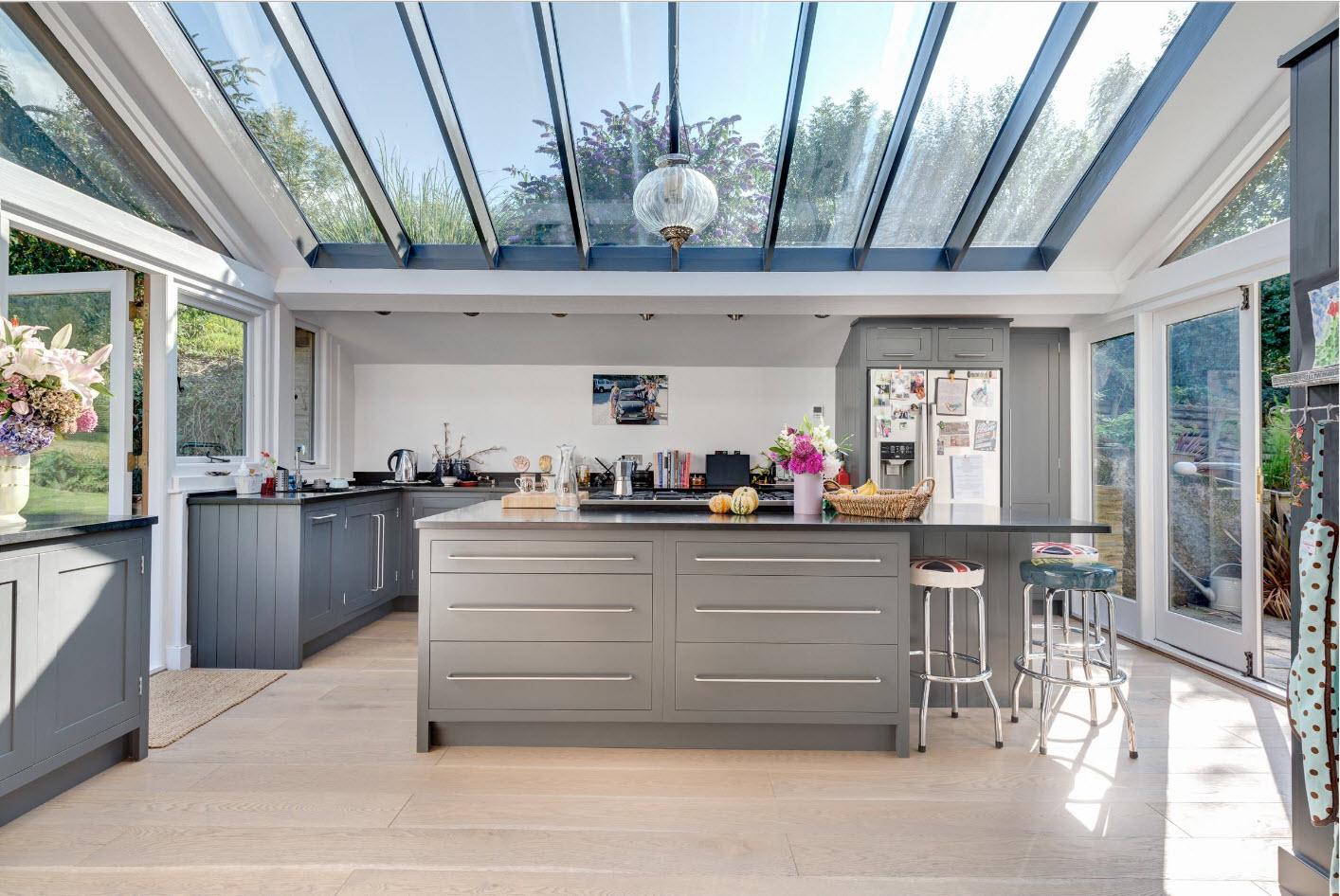 Стеклянная крыша для кухни