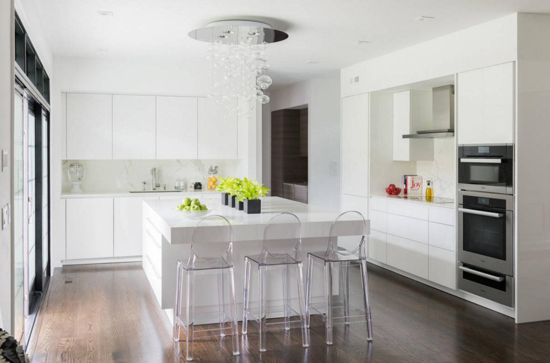 Белоснежный кухонный интерьер
