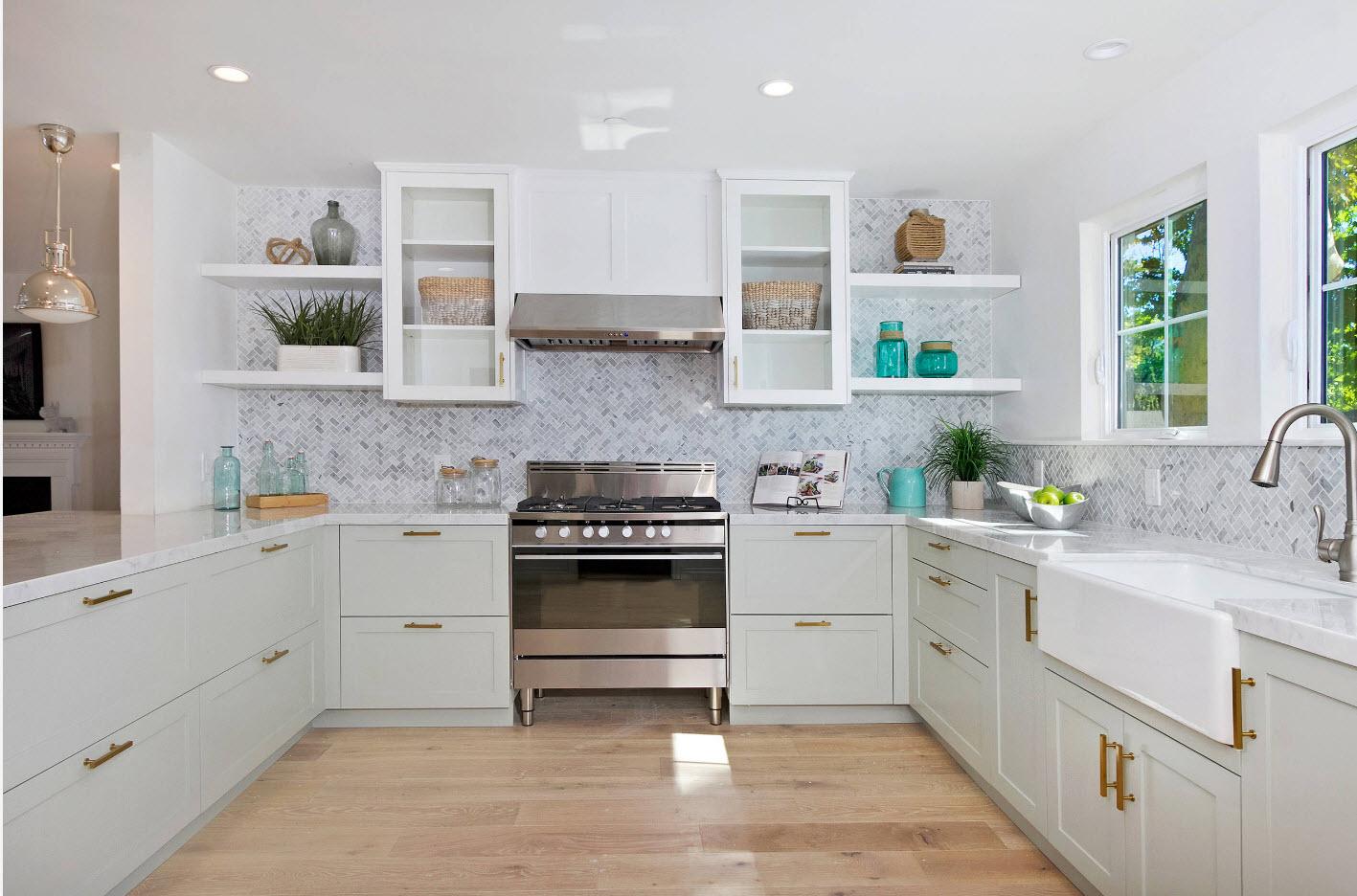 Белоснежные кухонные модули