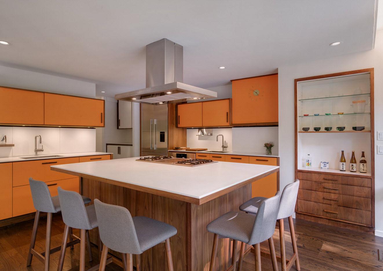 Яркий дизайн кухонного ансамбля