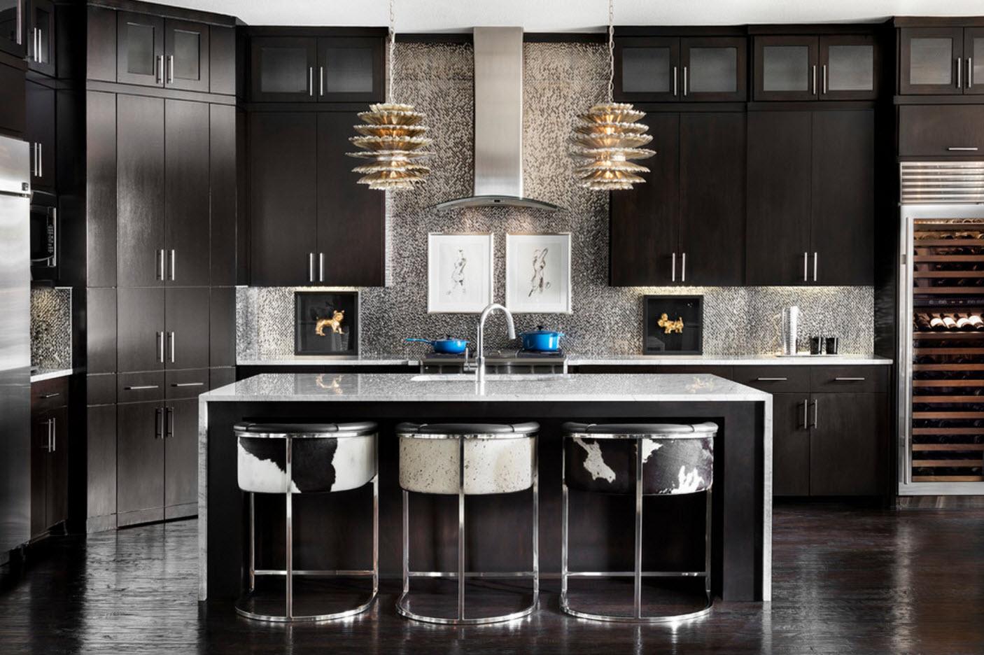 Кухня в темном цвете