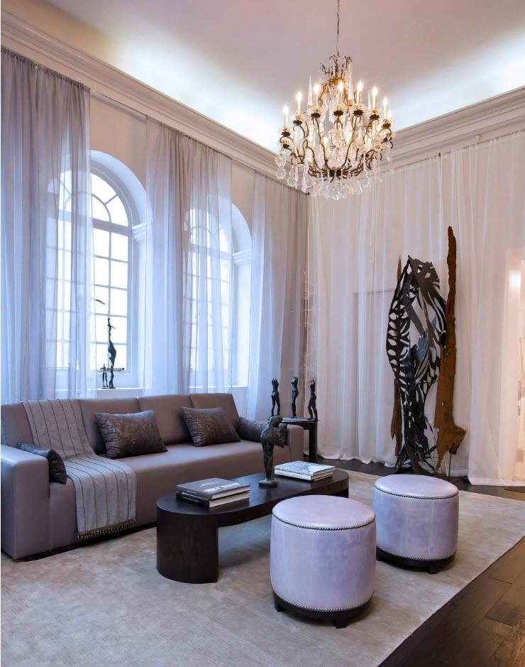 Для комнат с высокими потолками