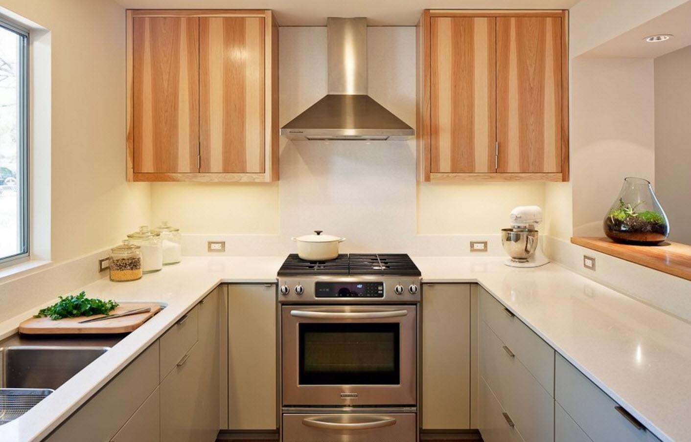 Интеграция древесины в белую кухню