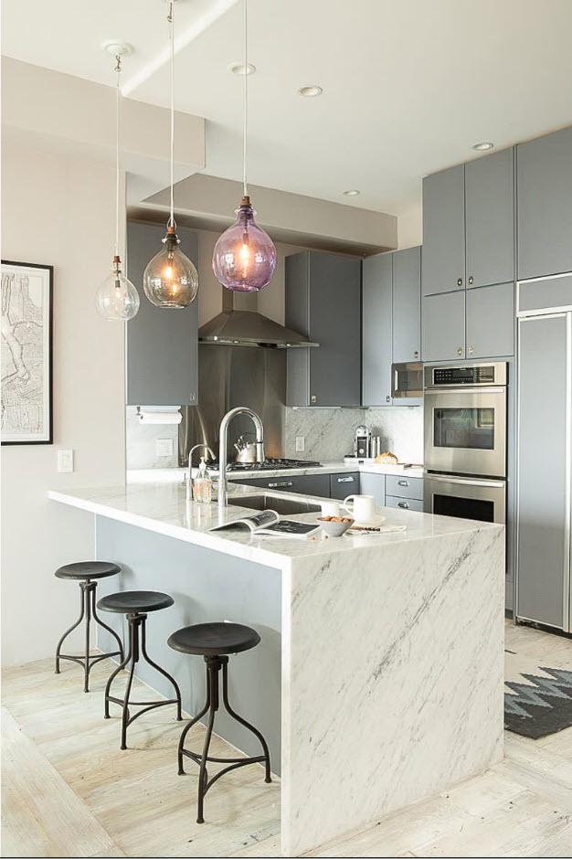 Кухонный сегмент в серых тонах