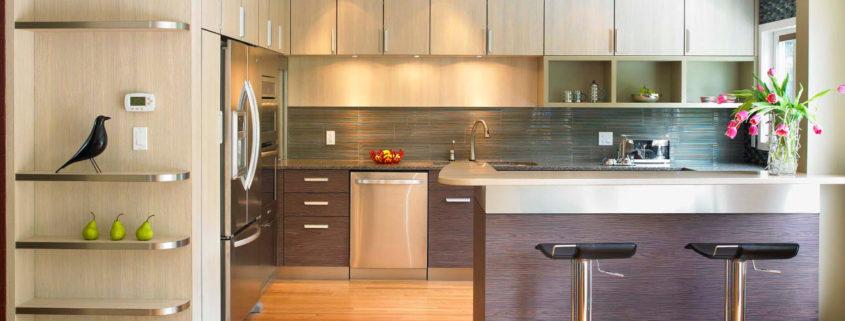 Современный дизайн угловой кухни