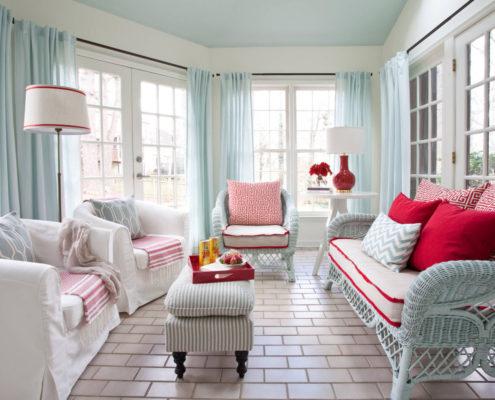 Оформление гостиной в голубых тонах