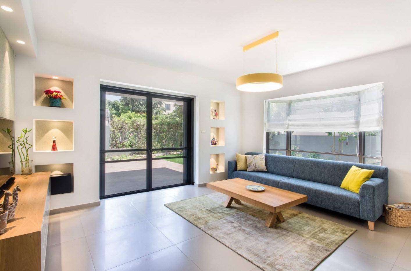 Лаконичный дизайн дивана и гостиной