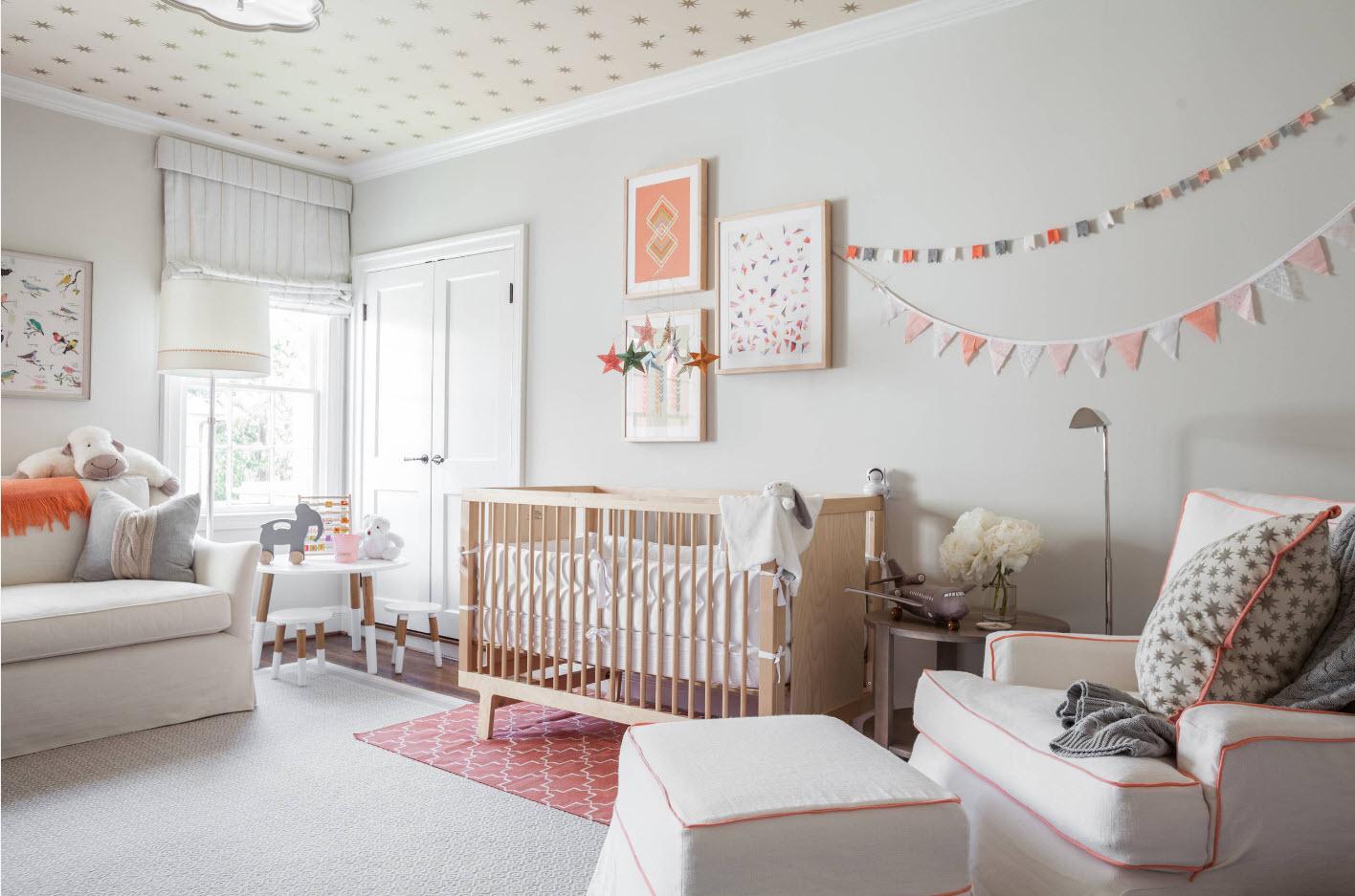 Светлые обои для комнаты новорожденного