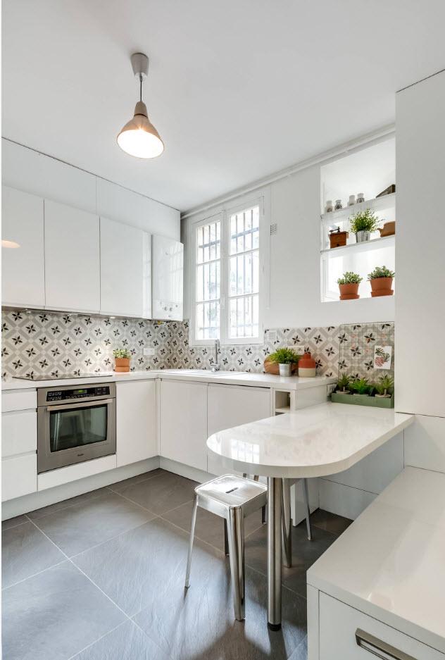 Белый дизайн кухонного помещения