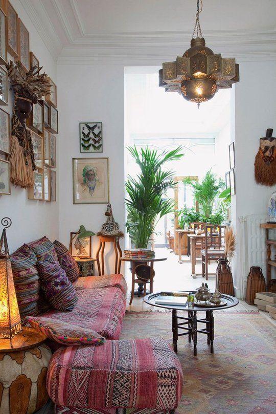Арабские мотивы в эклектичной гостиной