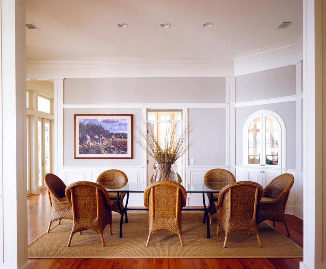 Плетеные кресла для столовой