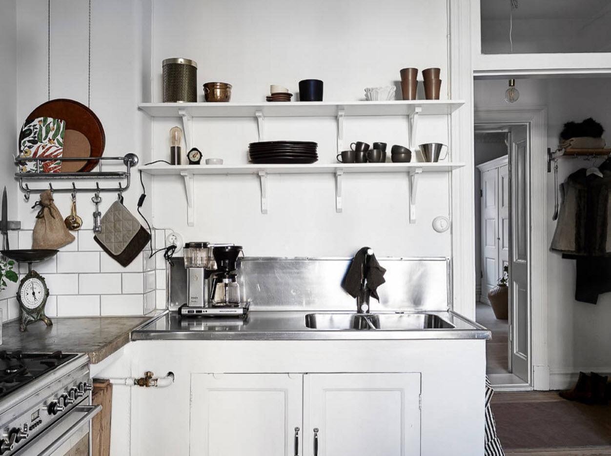 Белоснежный фон для кухни