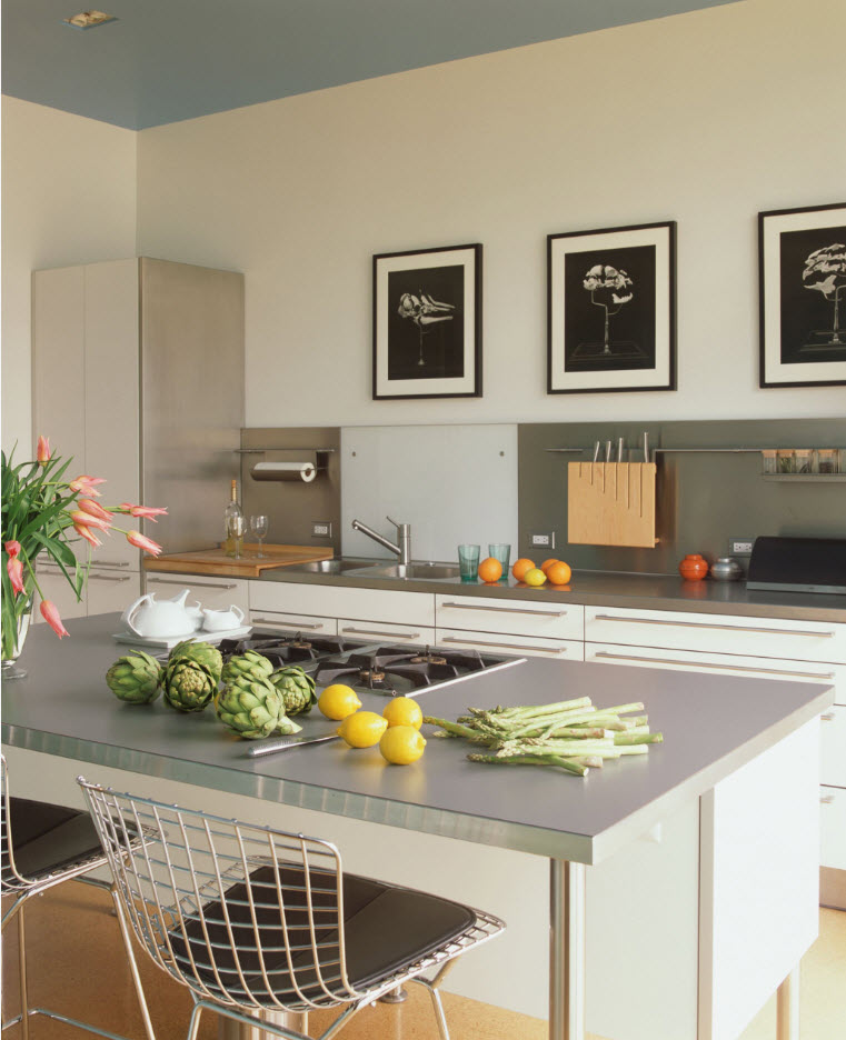 Светлый дизайн кухонного пространства