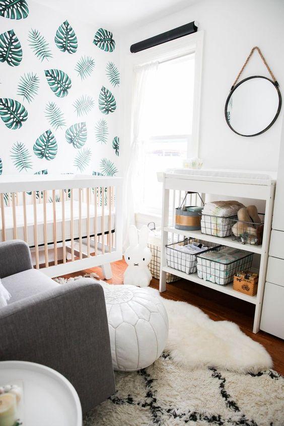 Акцентная стена в комнате младенца