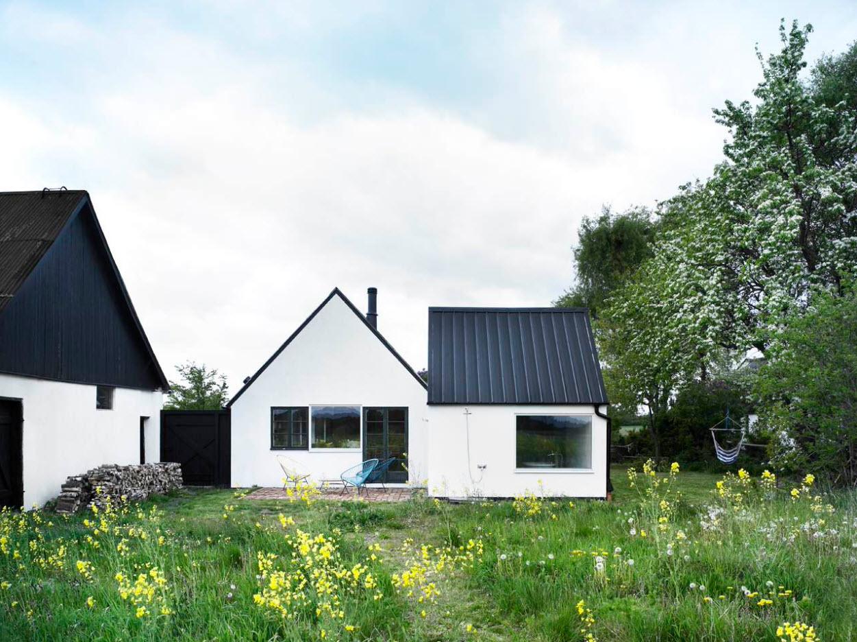 Черно-белые строения