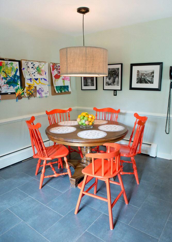 Яркий дизайн стульев