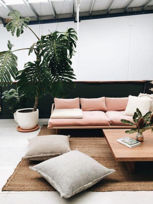 Сочная зелень в дизайне гостиной