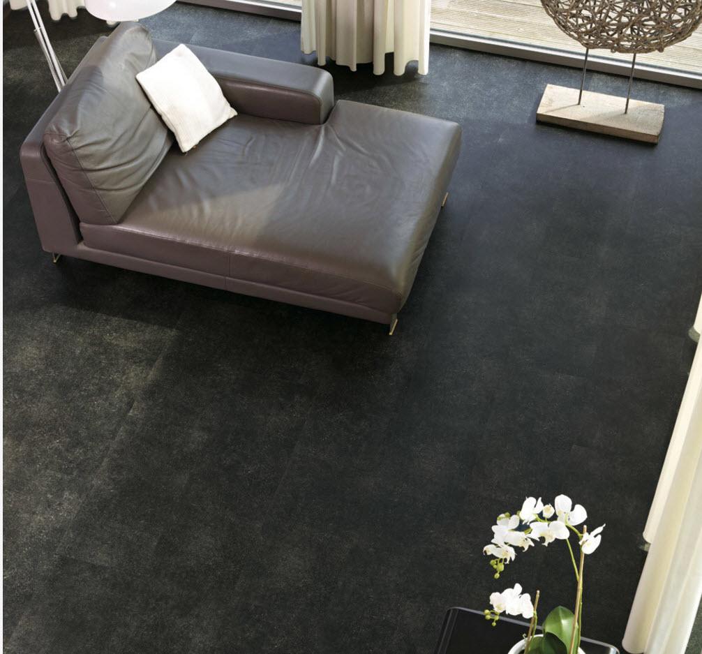 Темный пол для гостиной