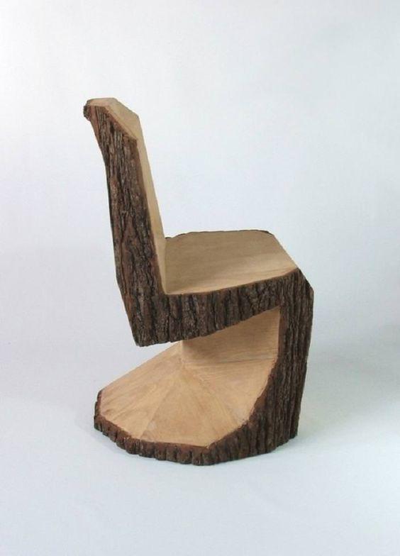 Из ствола дерева