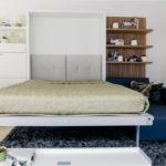 Откидная кровать, встроенная в шкаф – находка для скромных пространств