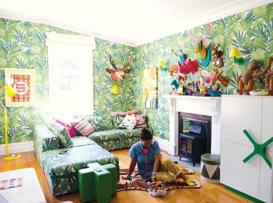 Яркая зелень на стенах