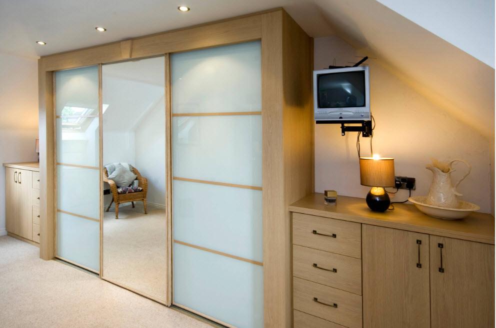 Шкаф для небольшого помещения