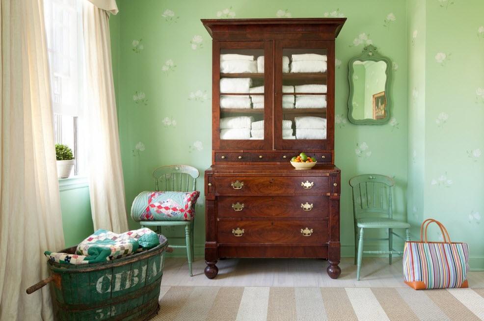 Зеленый и коричневый в дизайне комнаты