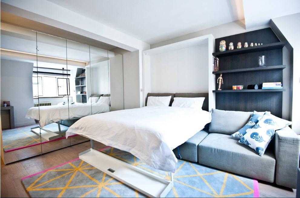 Кровать поверх дивана