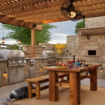 Беседка с печью, мангалом или барбекю – необходимый элемент ландшафтного дизайна