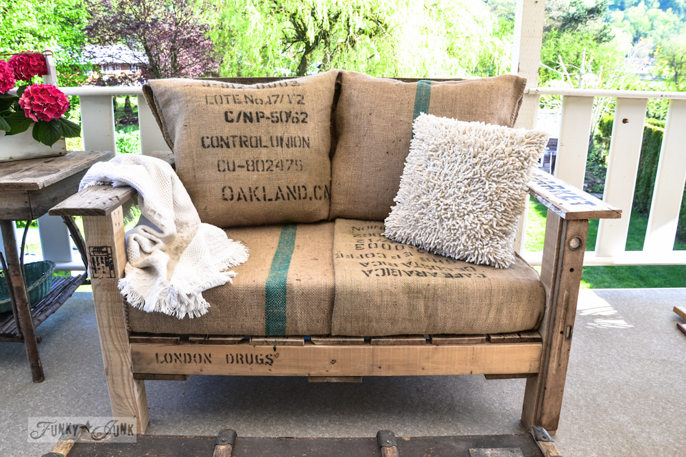 Мебель из подручных средств