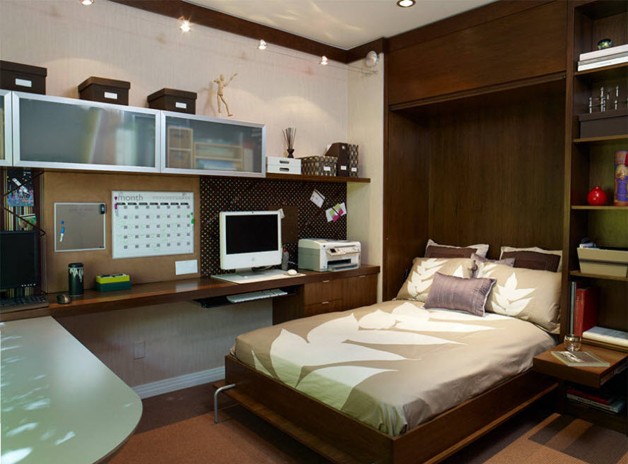 Кровать в кабинете