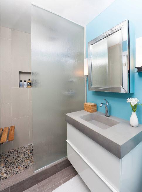 Матовая перегородка в ванной