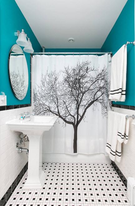 Бирюзовый тон в черно-белой ванной