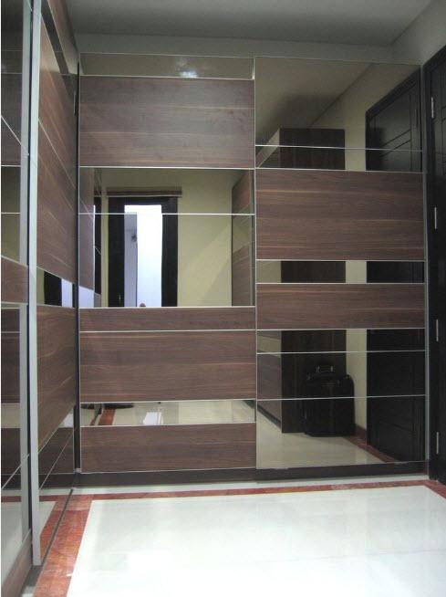 Вместительный шкаф угловой модели