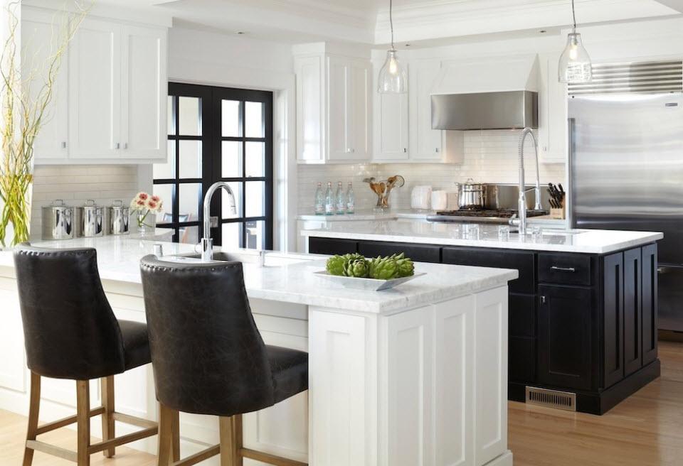 Бело-черный дизайн кухни