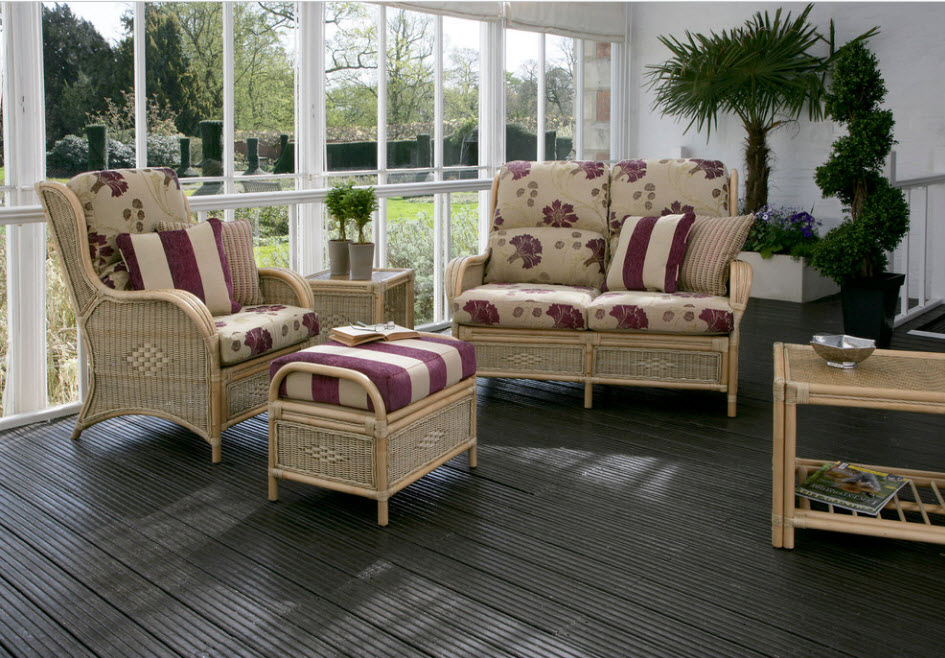 Выбор мебели для оранжереи