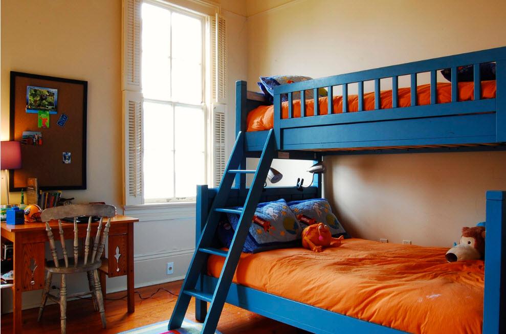 Двуспальное место на нижнем ярусе