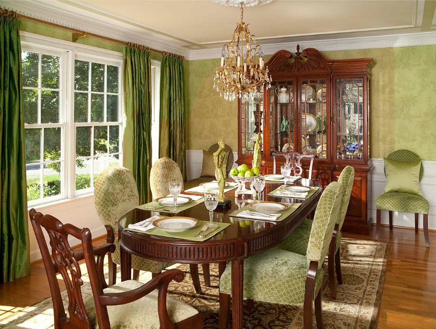 Дизайн столовой с зелеными шторами
