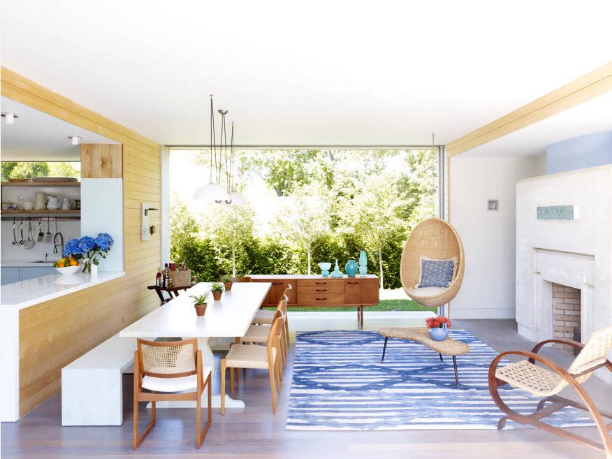 Комната-студия с подвесным креслом